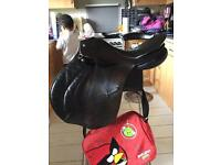 "Sabre 17.5"" Black English Leather Saddle Narrow Fit"