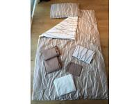 4 sets of single patterned two way bedding including duvet and pillow