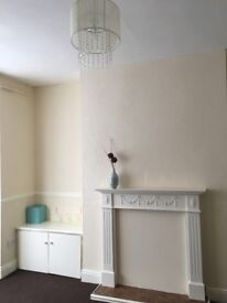 2 bed house to let in Falmer road darlington ( off Neasham Rd) £380 per month