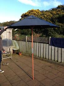 GARDEN PARASOL by HABITAT great condition LOVELY QUALITY ITEM wooden shaft, heavyweight fabric