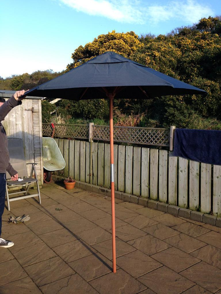 GARDEN PARASOL by HABITAT great condition LOVELY QUALITY ITEM wooden ...