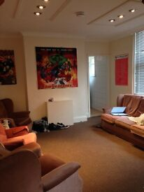 6 Bedroom student house, Bournemouth - Available September 2016