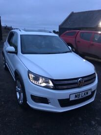 VW Tiguan R Line 177BHP 2015 lots and lots of extras,