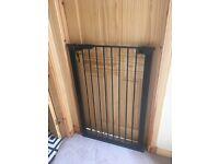Large baby/dog gate 105 cm