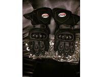 Buffalo winter gloves