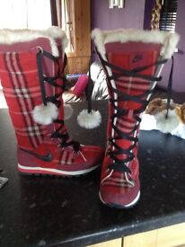 Nike boots size 5 ideal for winter excellent condition