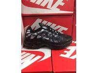 BLACK AND WHITE NIKE AIR MAX TN's BNIB SIZES 7 - 10