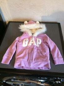 Baby girl gap top