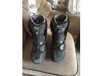 Vans snow boarding boots