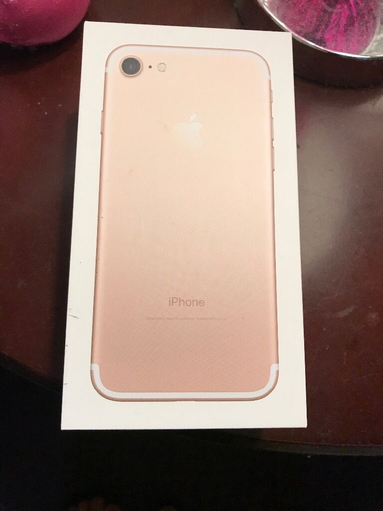iphone 7 only400in Cambridge, CambridgeshireGumtree - Iphone 7 for sale ! Beautiful Rose Gold iphone 32GB , unlocket with hedphones , charger and box , please call 07805682021 Thank you. Only £400