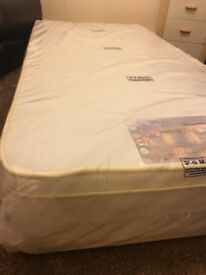 Single Mattress - Combinaion Pocket Spring & Memory Foam Top