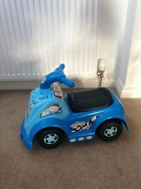 Fisher Price Little People Raceway Ride on Car (Blue)