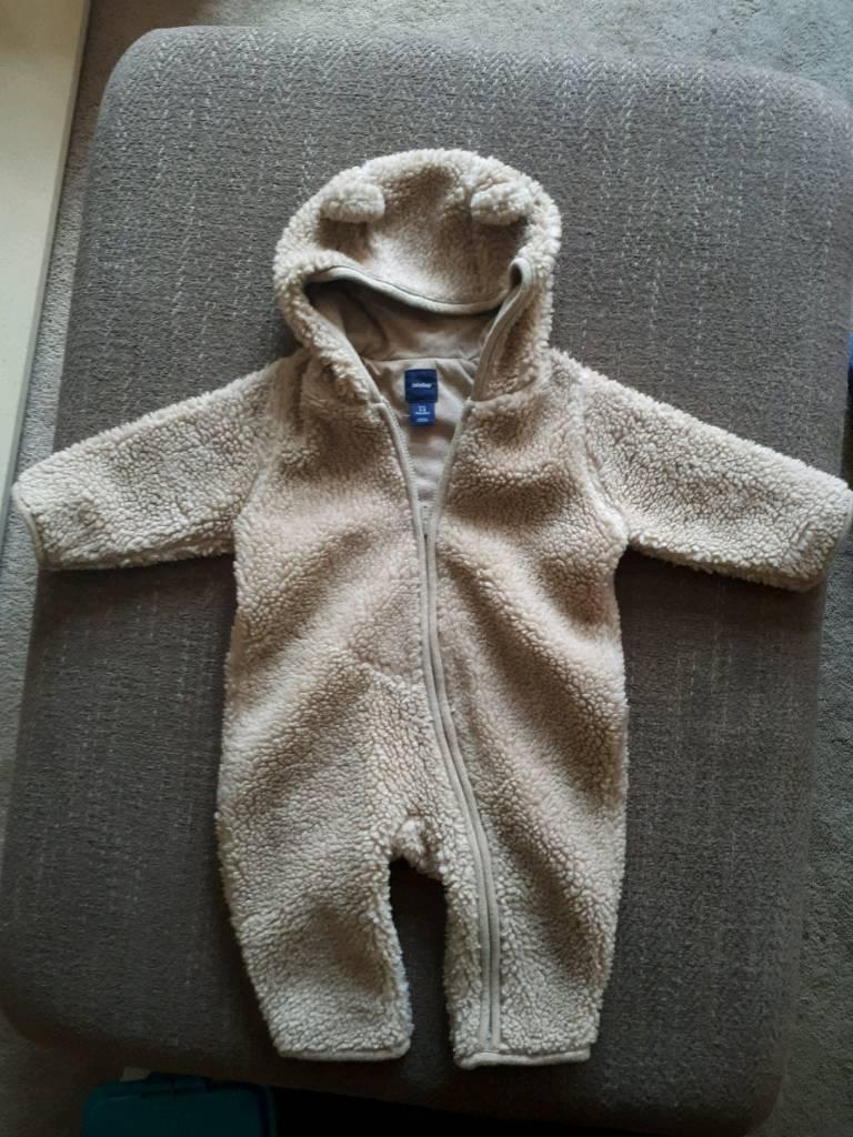 f5d2ff2527b9 Baby gap pram suit 3-6 months