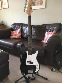 Bass guitar (Gear4Music LA Series)