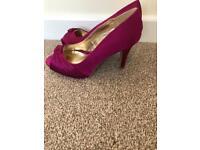 Size 5 debut by Debenhams magenta peep toe heels, worn once, excellent condition £7. Tipner