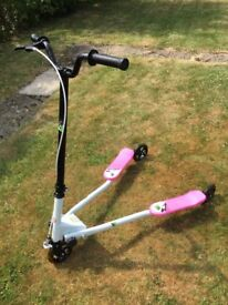 TriX 3 wheel scooter Pink and white