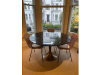 4 to 6 people dining table