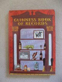 Vintage 1971 Guinness Book of Records Hardback Book.