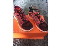 Men's Nike UltraFast Flyknit AMP Running Trainers size 9