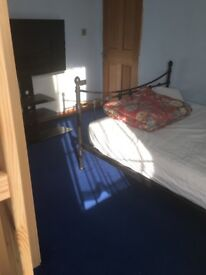 Double room for rent in family house