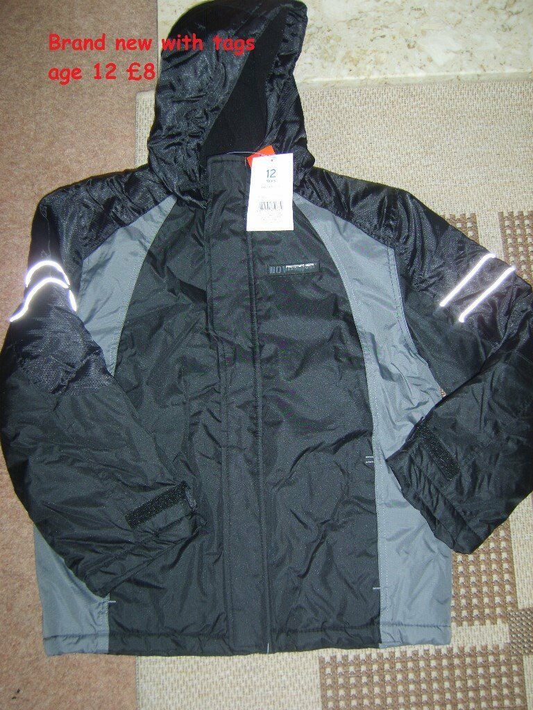 bnwt boys coat age 12 never used collection from DIDCOT