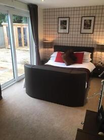 ANNEXE ROOM IN DETACHED HOUSE WITH TV BED - BILLS INCLUDED! Immaculate