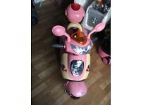 Girls pink scooter brand new needs a new battery as been stood for a while but brand new