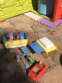 Peppa pig camper van and car