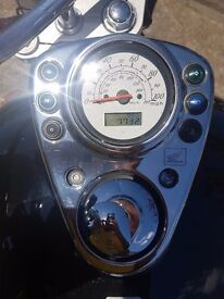 Magnificent Honda Shadow VT125 (1 PREVIOUS OWNER from NEW! GENUINE LOW MILEAGE)