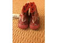 New cute unisex red baby shoes 0-6 M