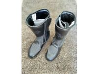Motorcycle boots, size 10 (EU 45)