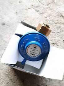 Gas bottle valve regulator