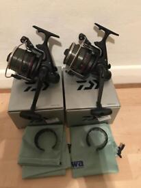 2 x daiwa emblem black carp fishing reels