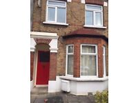 Great 3 bedrooms in the same House. East London (Upton Park). Bills Incl