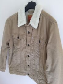 Levis Trucker Jacket *NEW WITH TAGS*