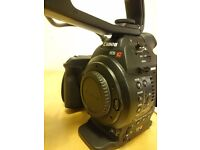 Canon C100 - 2 Batteries, fully boxed - Great Condition, hardly used.