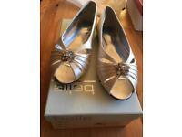 Gorgeous wedding bridal shoes size 39 (uk 6)
