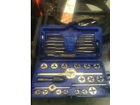 Blue-point tap and die set