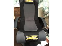 Sound chair for gaming excellent sound.