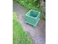 Green Wood Garden Planter
