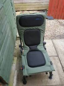 FISHING OR CAMPING CHAIR