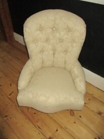 Lovely vintage button back chair.