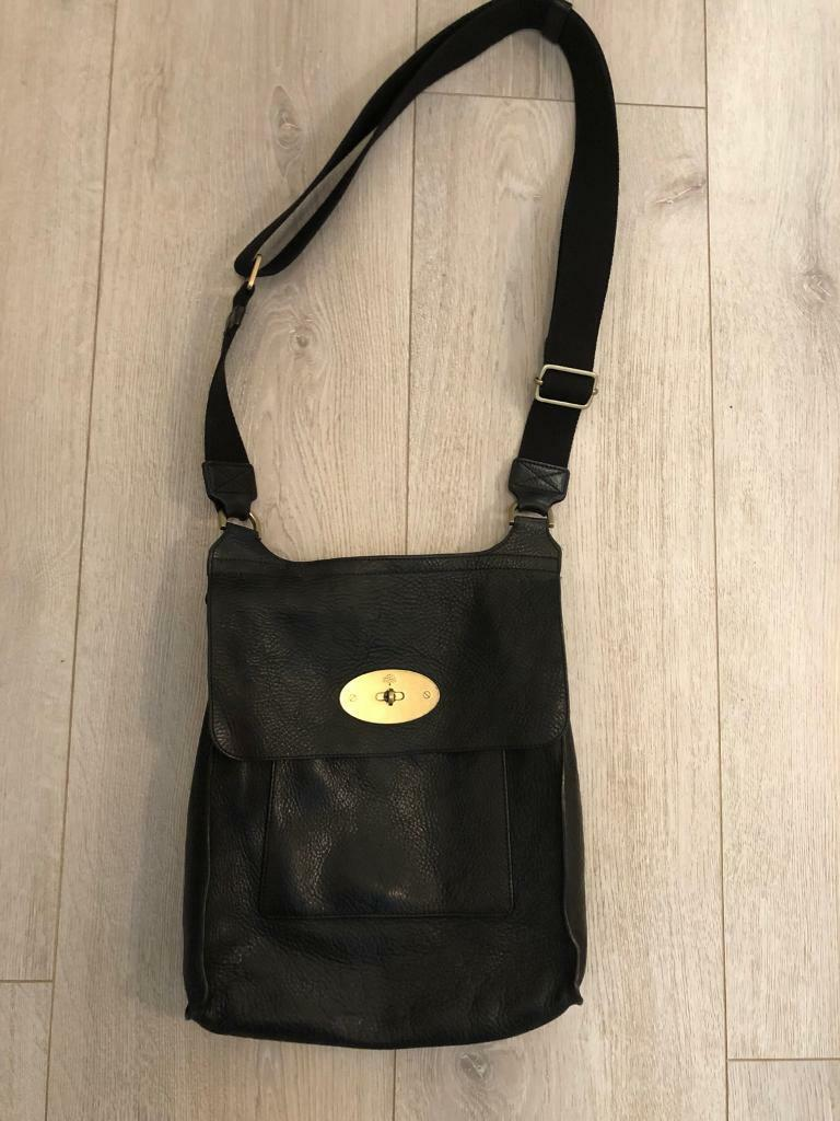 c0f1115fa1 Authentic black mulberry large Anthony cross body bag