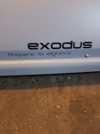 470L exodus roof box with locking bars