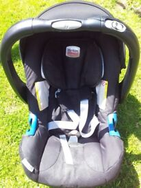 Britax Car Seat 0 to 9 months