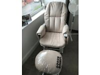 Tutti Bambini gliding nursing/feeding chair & foot stool (beige/white)