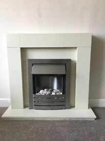 Electric freestanding fire