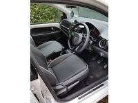 REDUCED FROM £6,795! 5 door White VW Groove Up! for sale £6,595 ONO