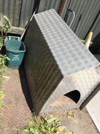 Aluminium dog kennel
