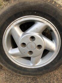 Ford xr3 i dog leg alloys